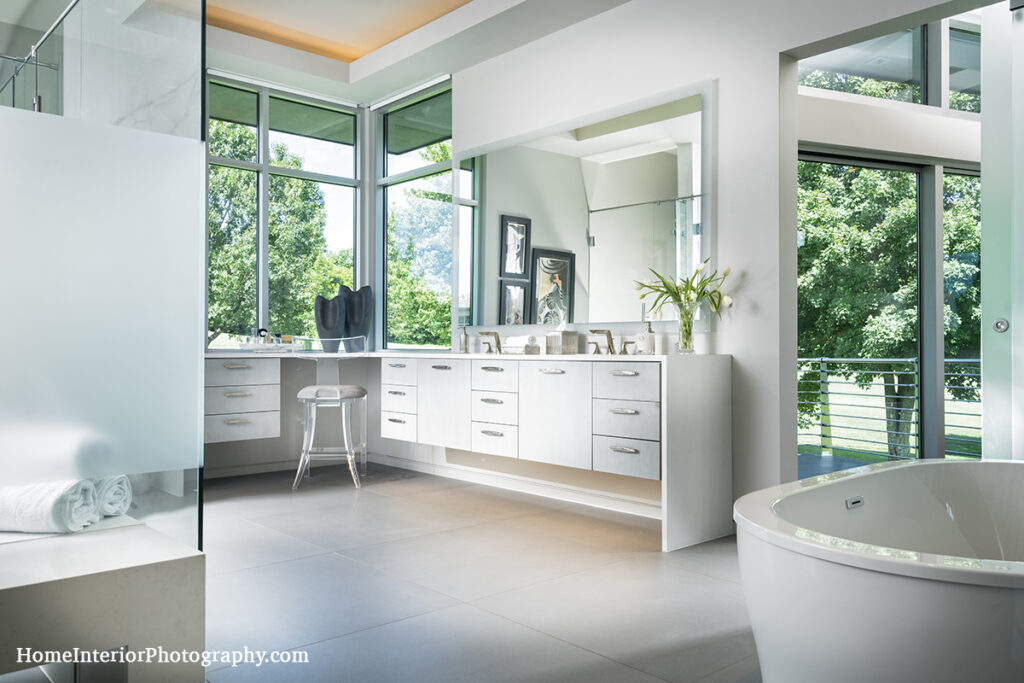 White Contemporary Bathroom with Golf Course View - Nathan Taylor - design interior photography