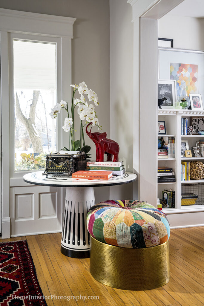 Home Entryway With Typewriter - Nathan Taylor - design interior photography