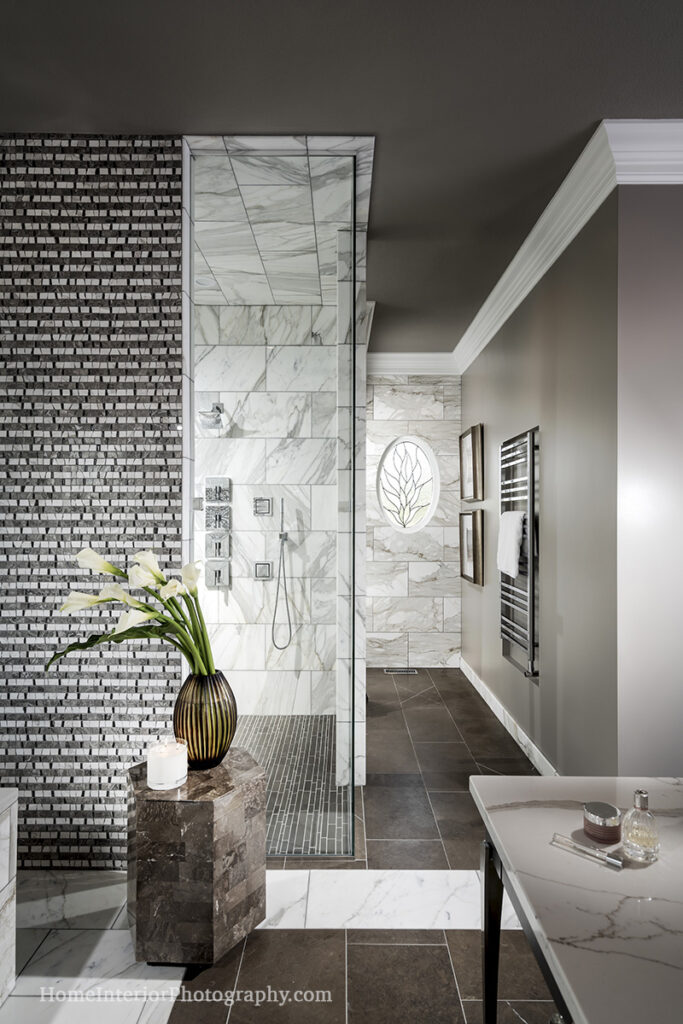 Stone and Tile, Black and White Bathroom - design interior photography