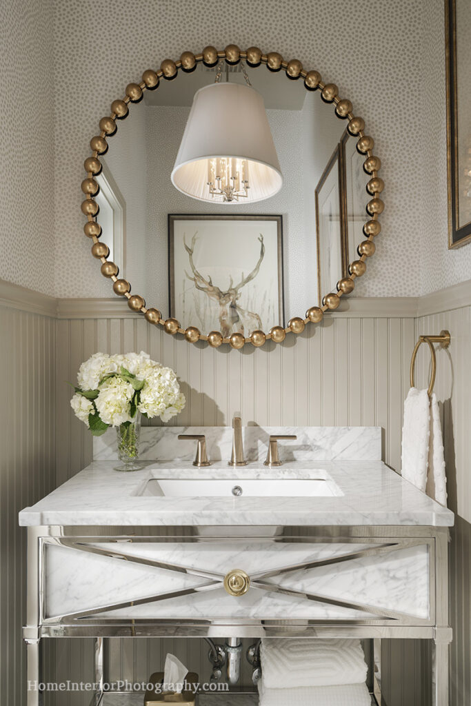 White and Gold Bathroom, one of the 10 most shared photos on Houzz 2020 - Nathan Taylor - design interior photography