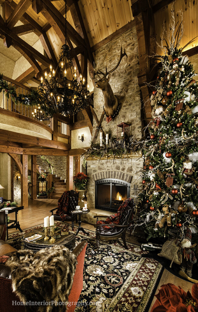 Timber Frame Cabin Living Room at Christmas - Ron Hill - design interior photography